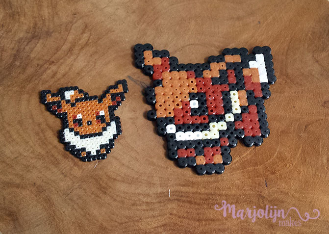 Another difference is the amount of baseplates you have for both types. In  mini beads you have square, heart, hexagon and the awesome new addition;  round.